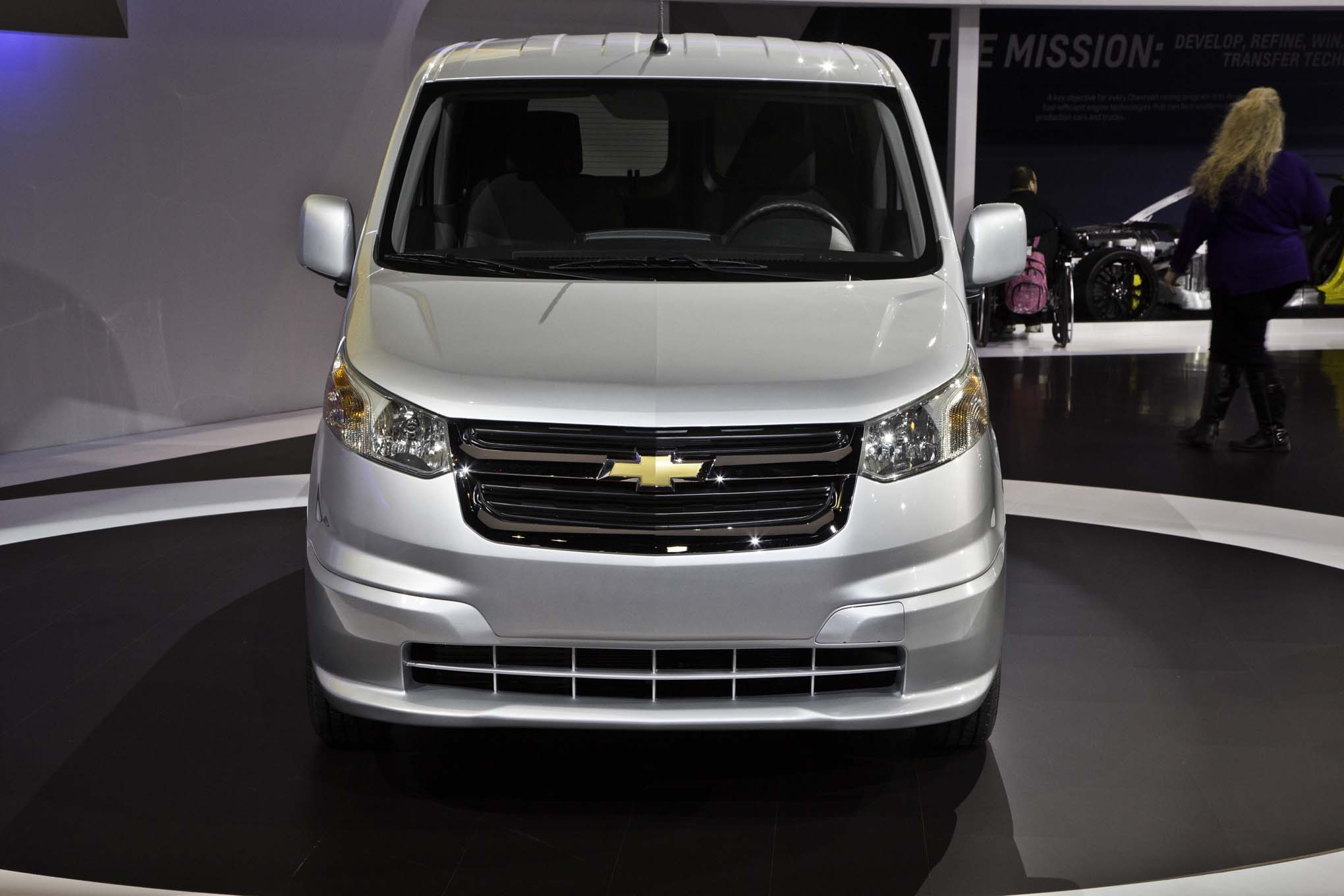 2015 chevrolet city express front view