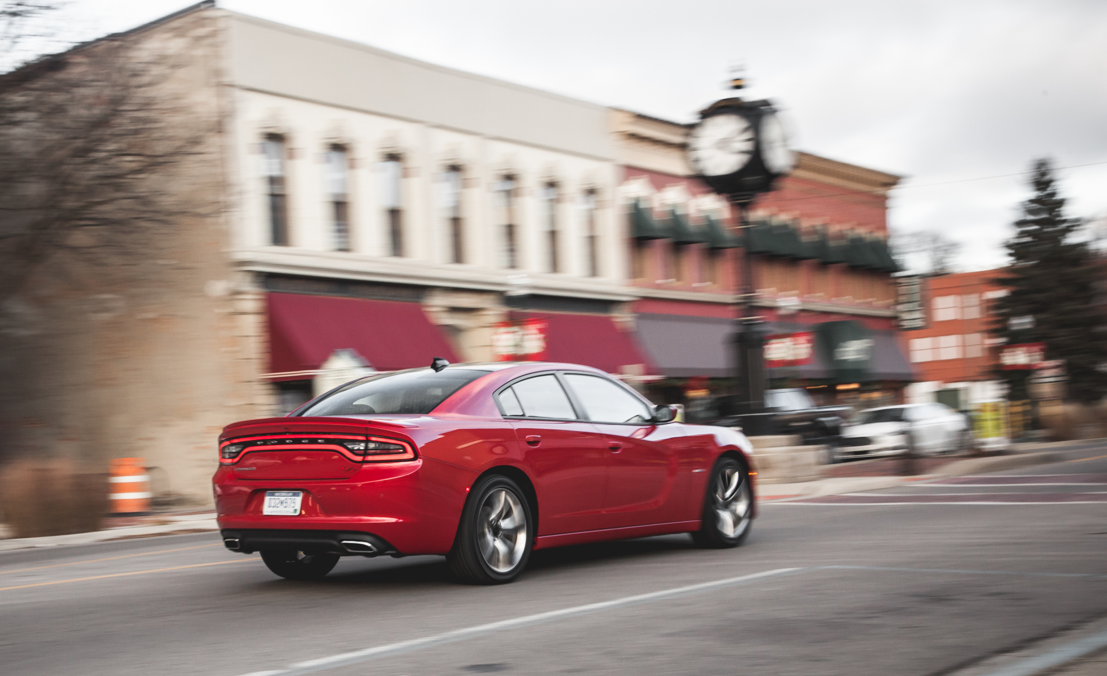 2015 Dodge Charger R/T Test Rear and Side View