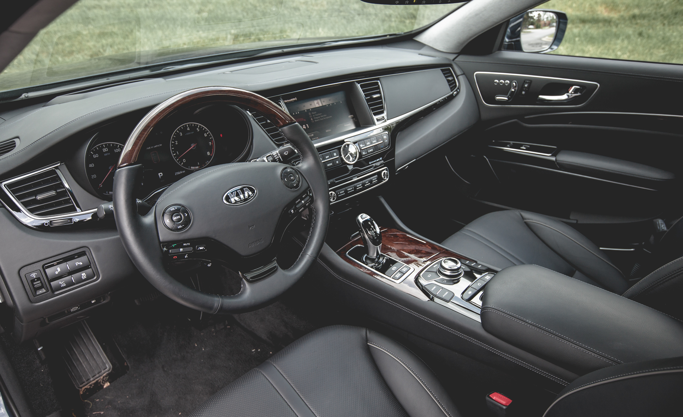 2015 Kia K900 Interior Front Seats