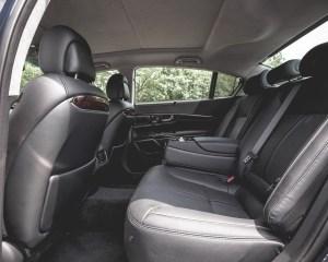 2015 Kia K900 Interior Rear Passenger