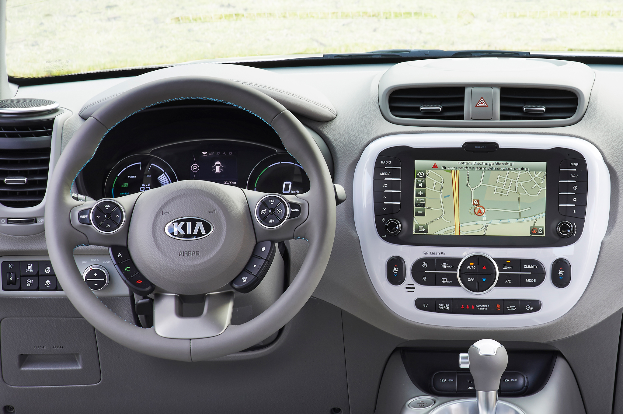 2015 Kia Soul EV Cockpit and Head Unit Dashboard
