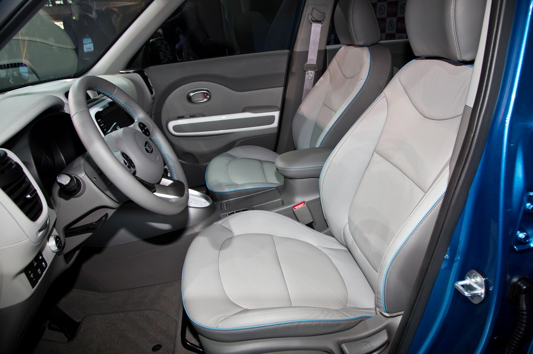 2015 Kia Soul EV Front Interior Seats