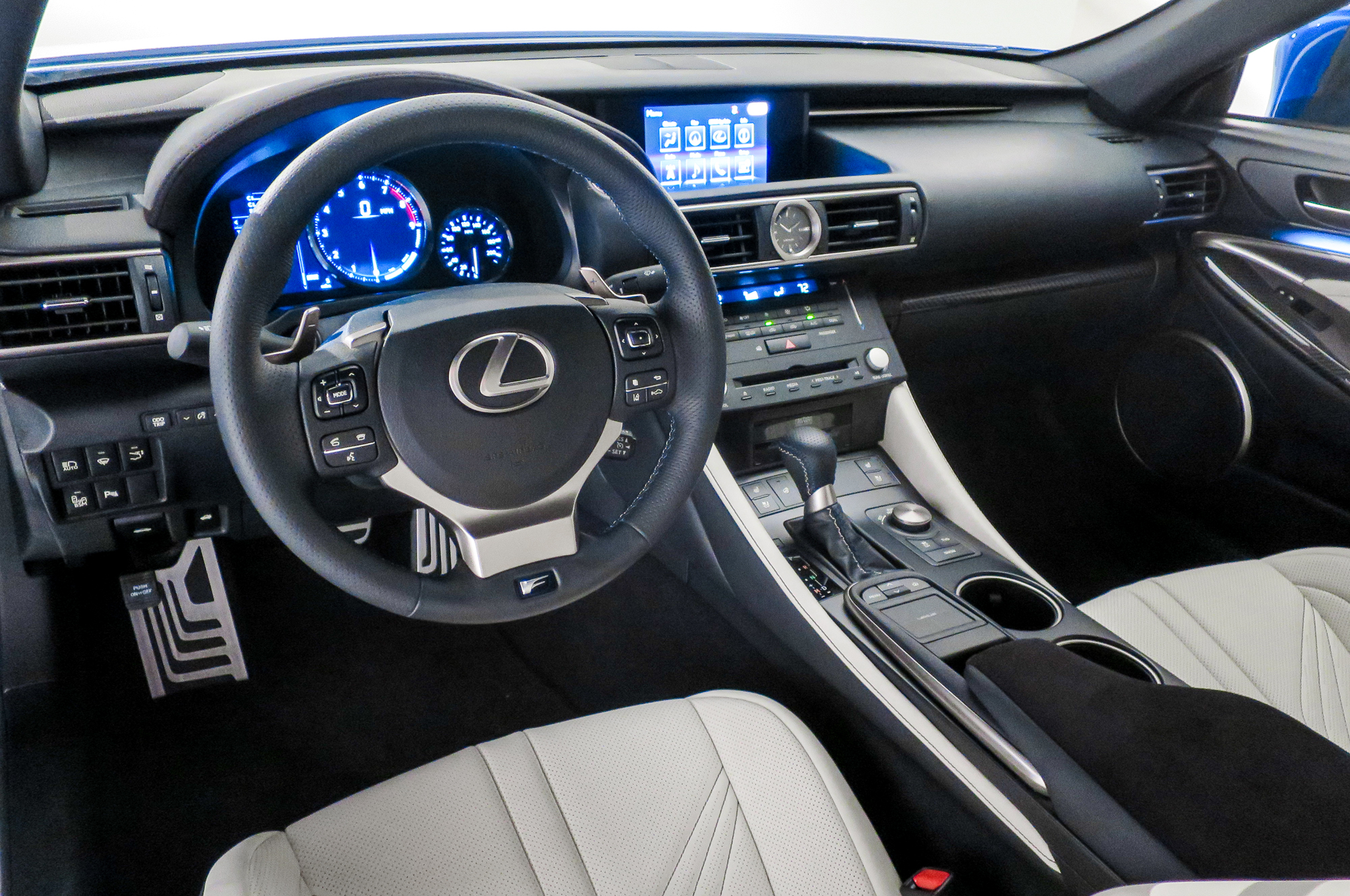 2015 Lexus RC F Cockpit and Dashboard