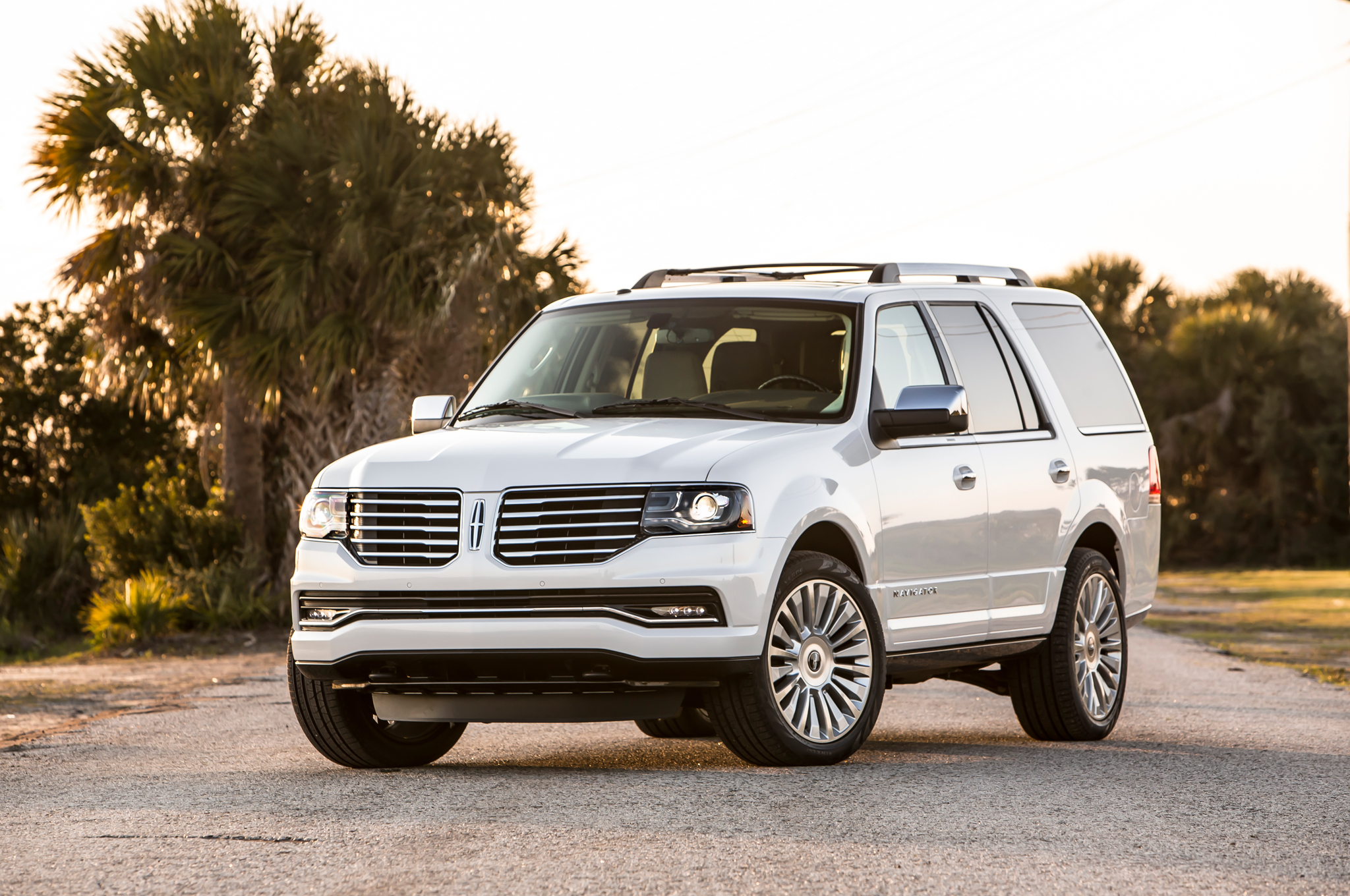 2015 Lincoln Navigator Exterior Overview