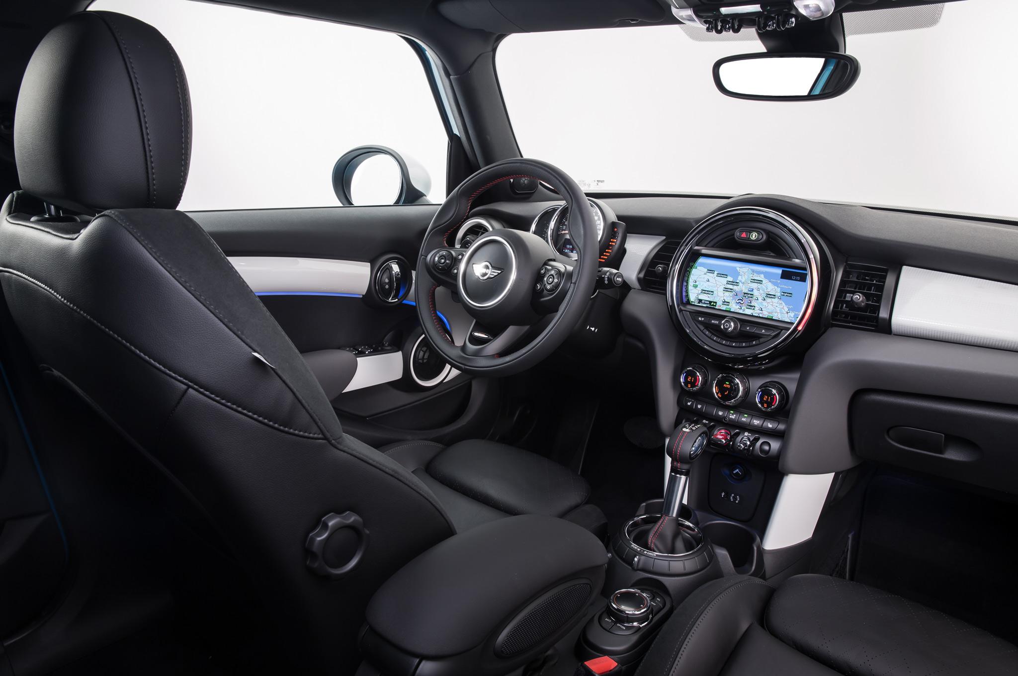 2015 Mini Cooper Hardtop 4-Door Dashboard Unit