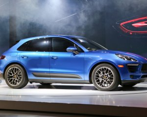 2015 Porsche Macan Side View Auto Show