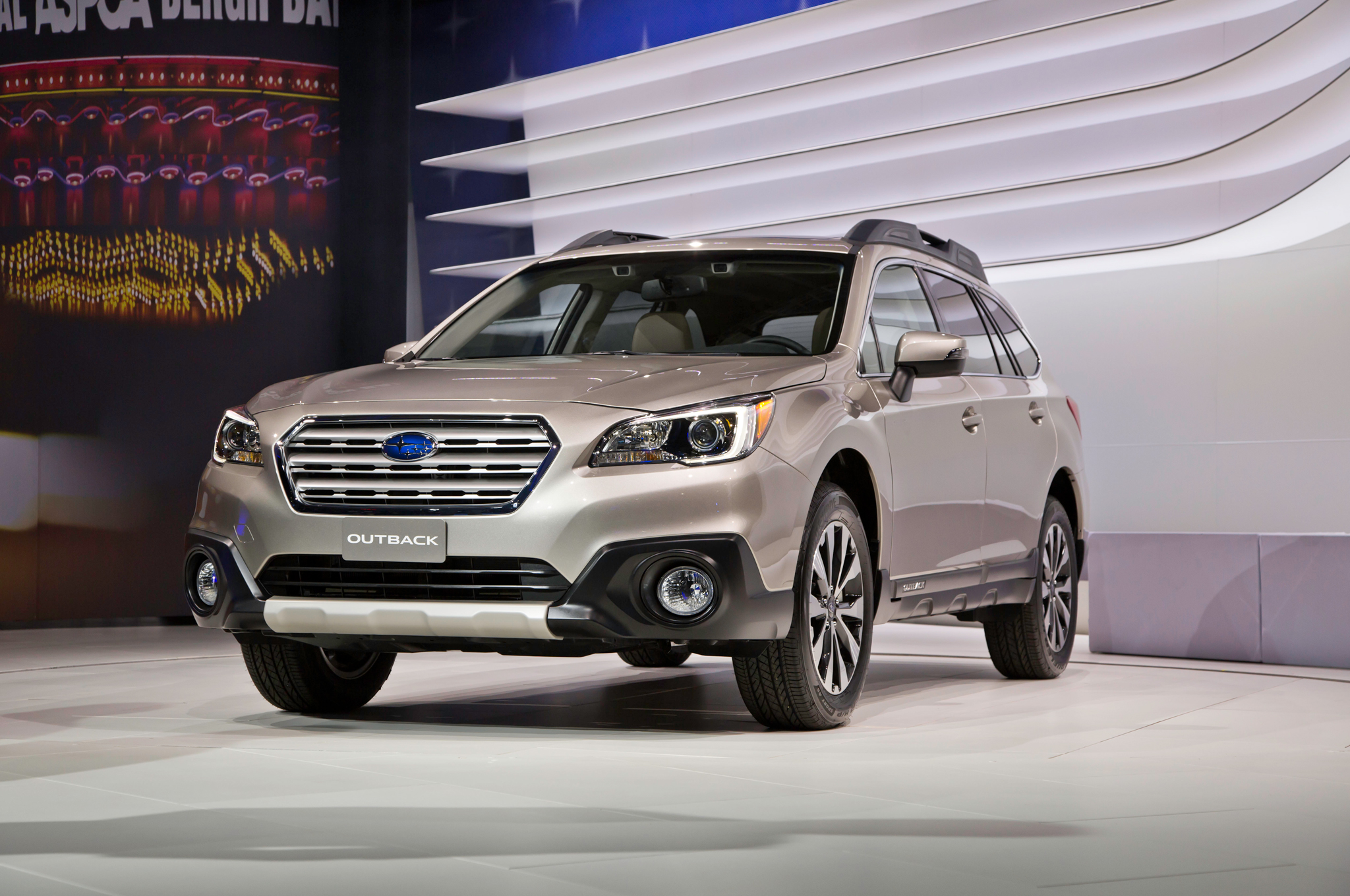2015 Subaru Outback Front Side Exterior