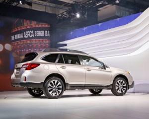 2015 Subaru Outback Rear Side Model