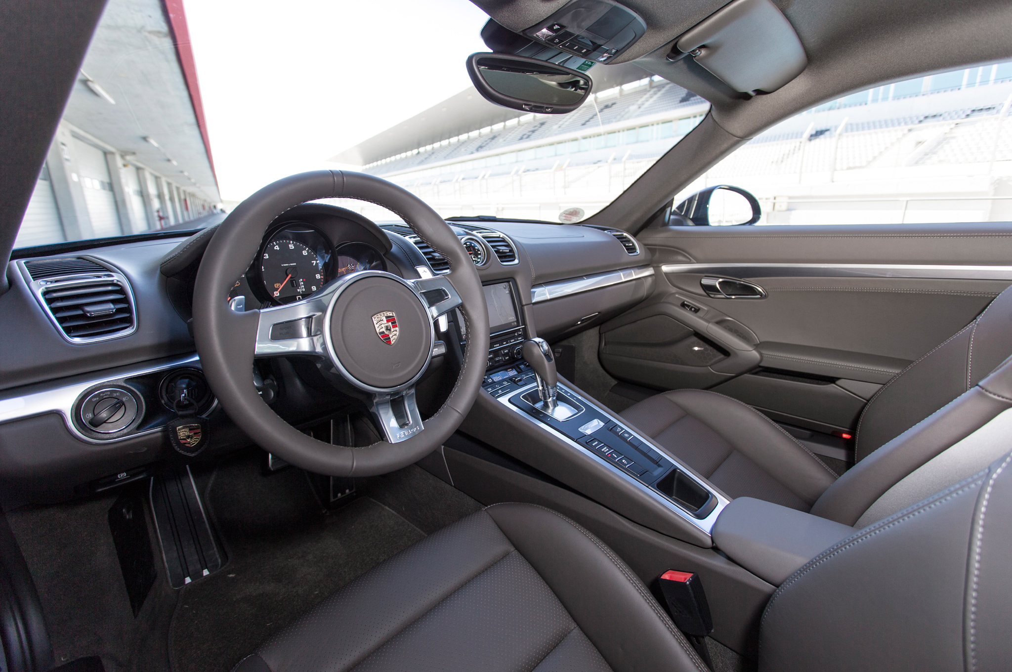 2014 Porsche Cayman Cockpit and Dashboard