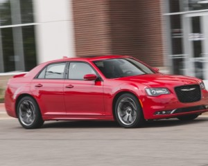 2015 Chrysler 300 Front Side
