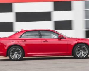 2015 Chrysler 300 Right Side Photo