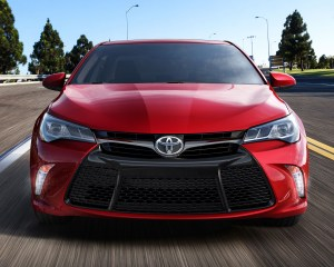 2015 Toyota Camry Front End Design