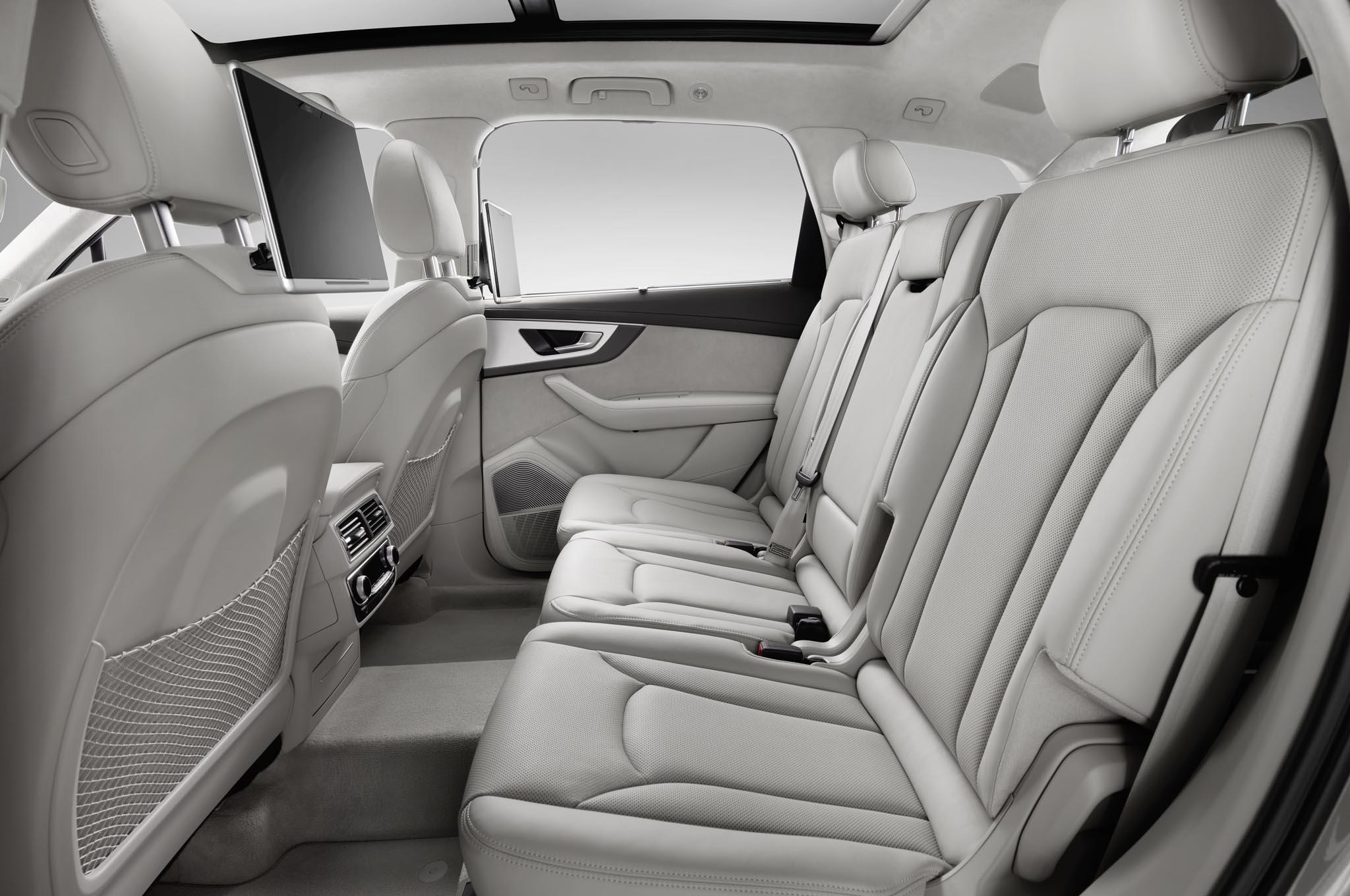 2016 Audi Q7 Rear Seats Interior