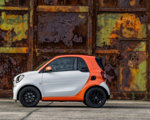 2016 Smart Fortwo Left Side Photo