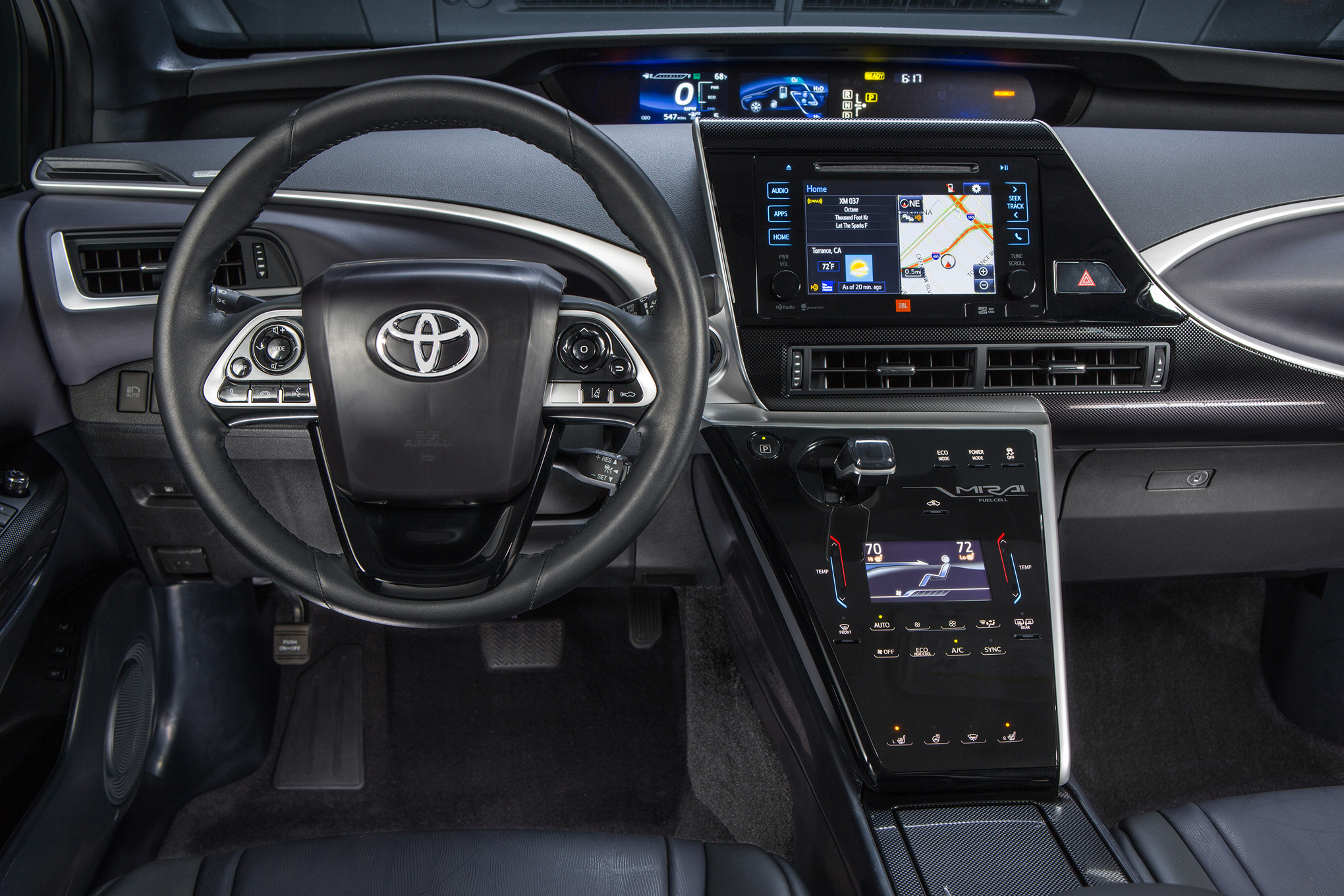 2016 Toyota Mirai Cockpit and Speedometer