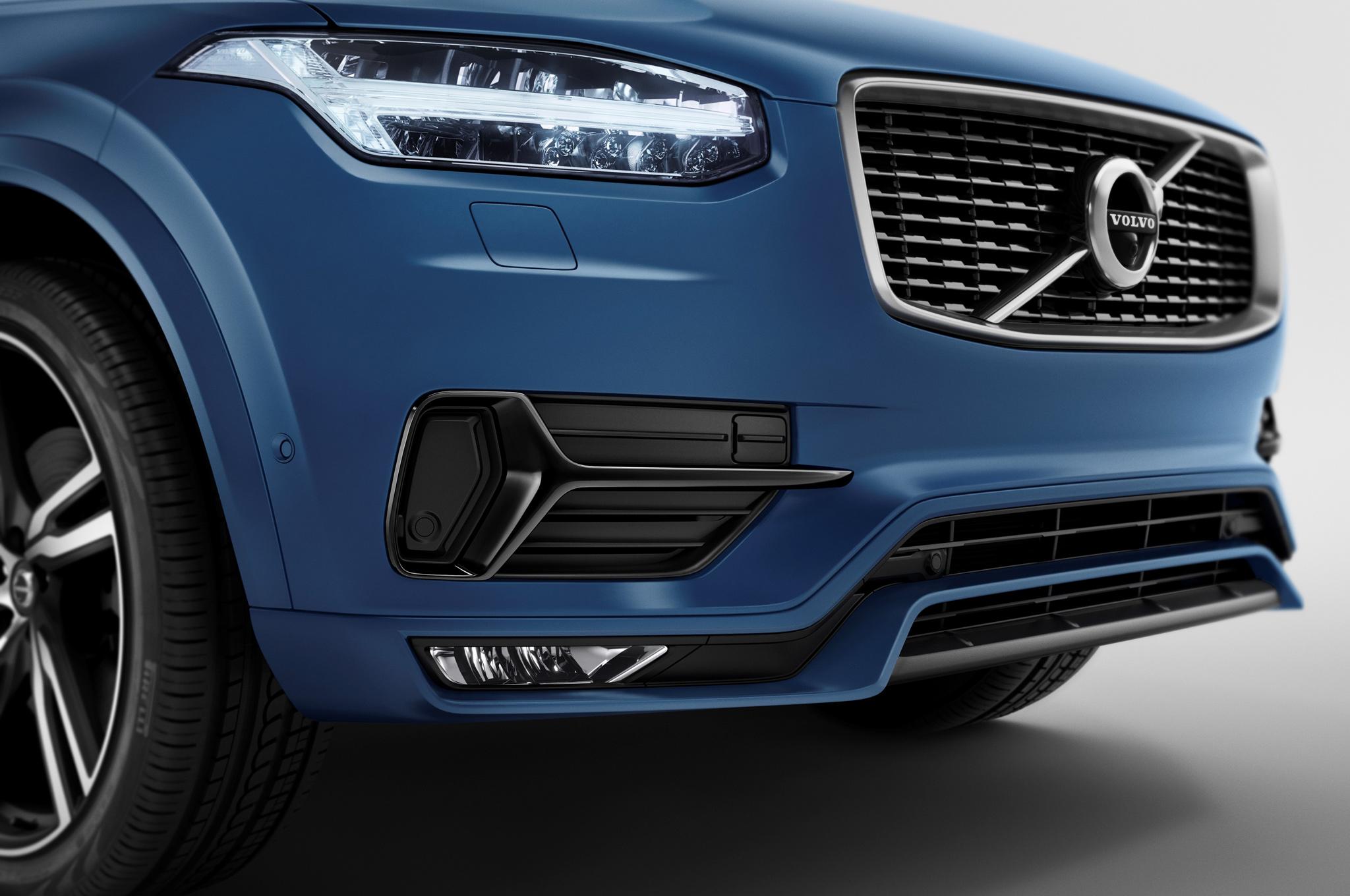 2016 Volvo Xc90 R-Design Front Bumper and Headlamp
