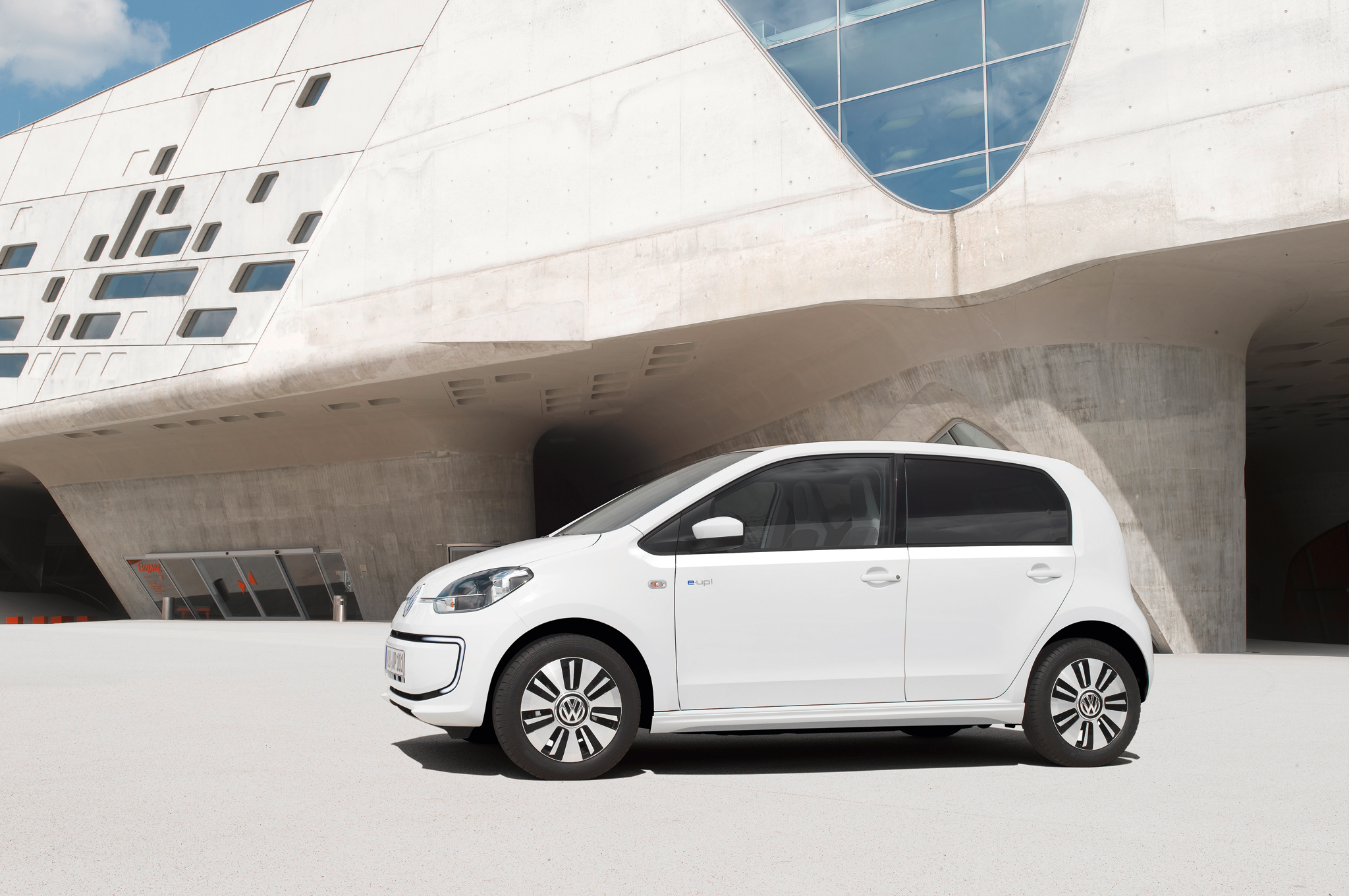 2014 Volkswagen e-Up Side Exterior