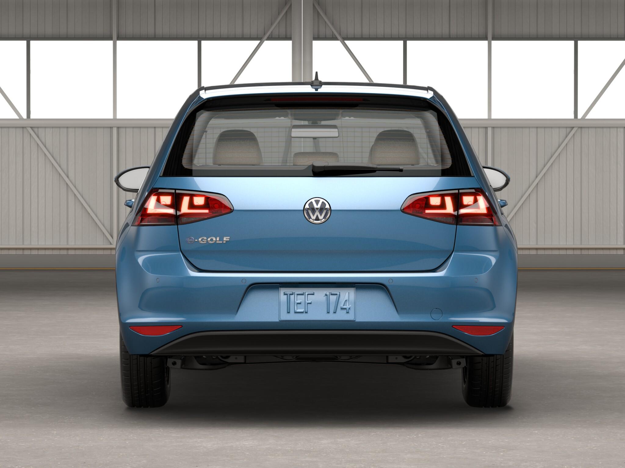2016 Volkswagen e-Golf Rear End View