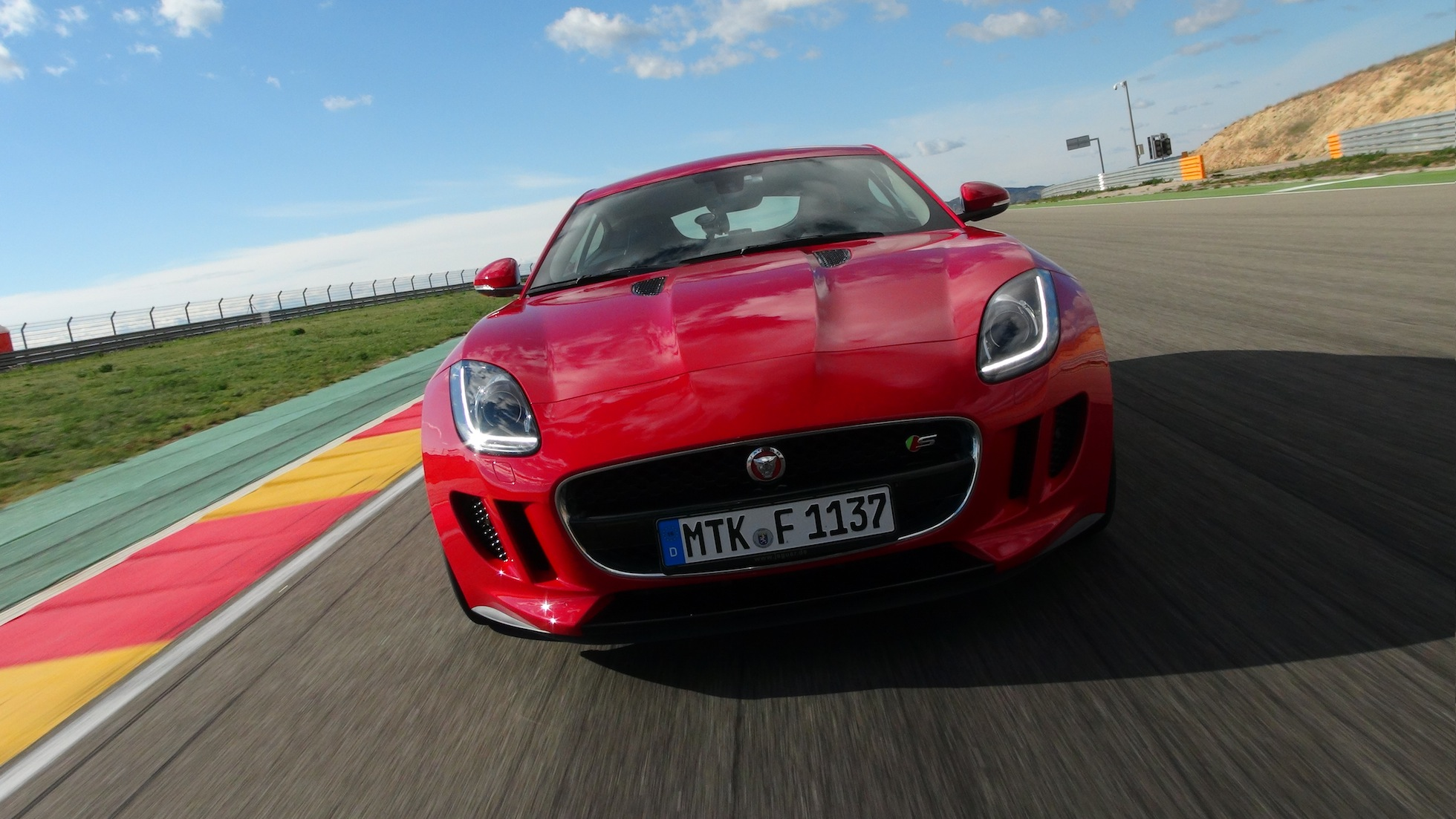 Performance: 2015 Jaguar F-Type Coupe
