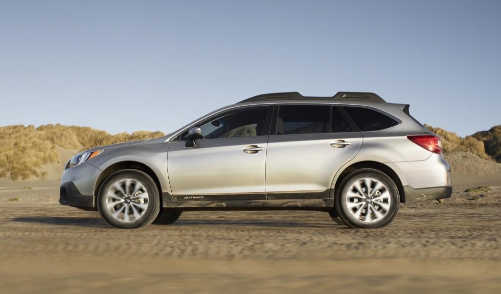 Side Exterior: 2015 Subaru Outback