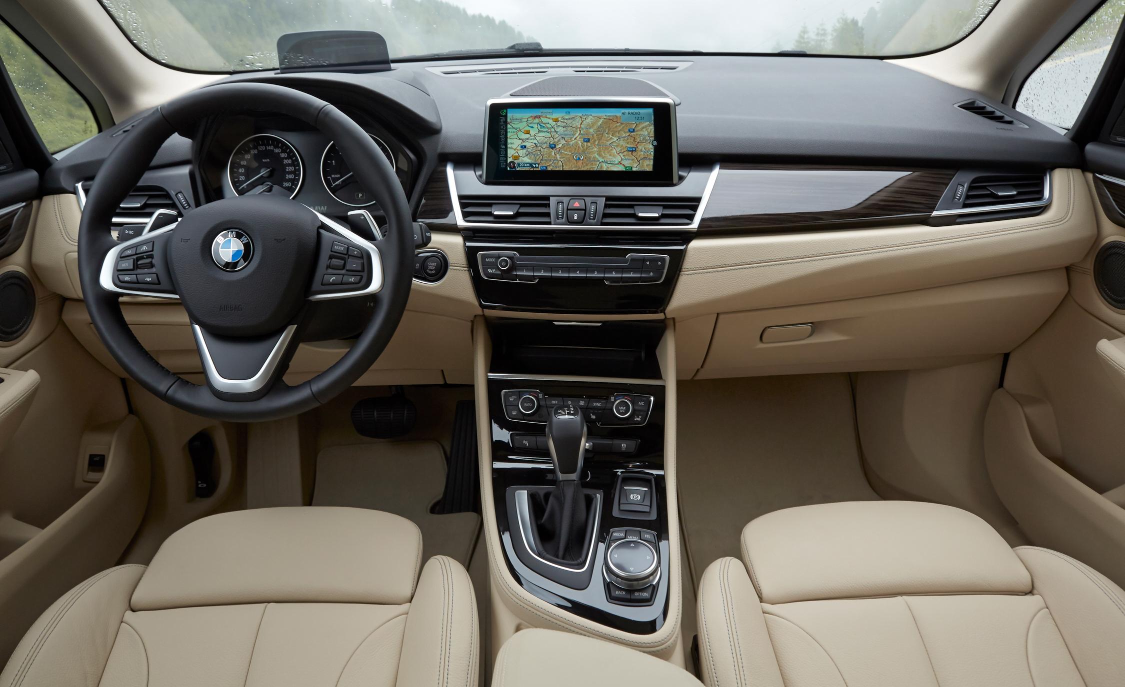 2015 BMW 225i Active Tourer Interior Front