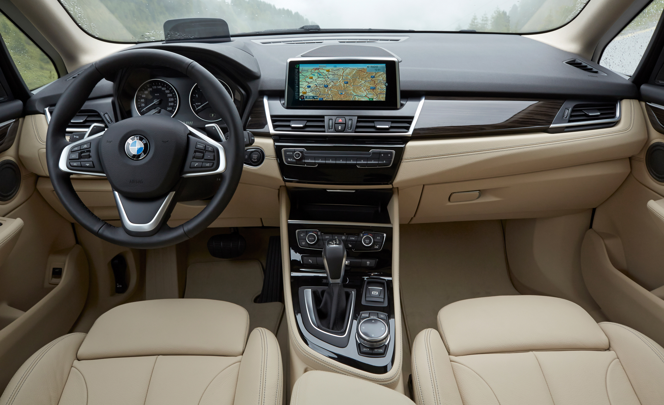 2015 BMW 225i Active Tourer Interior Front