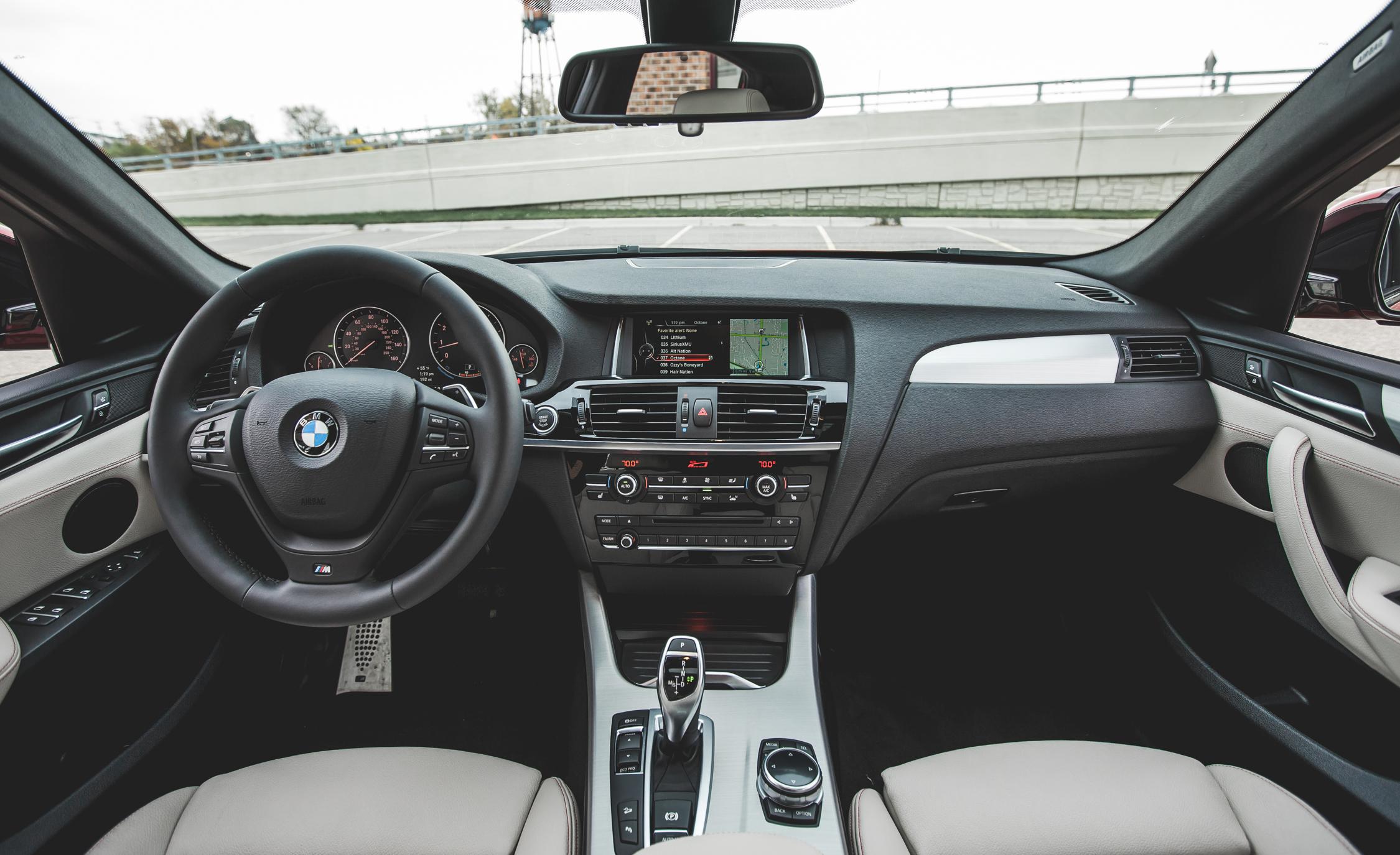 2015 BMW X4 xDrive28i Interior Front