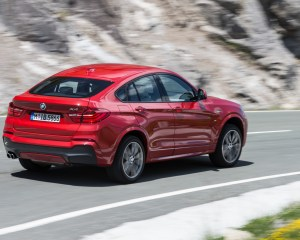 2015 BMW X4 xDrive35i Test Rear and Side View