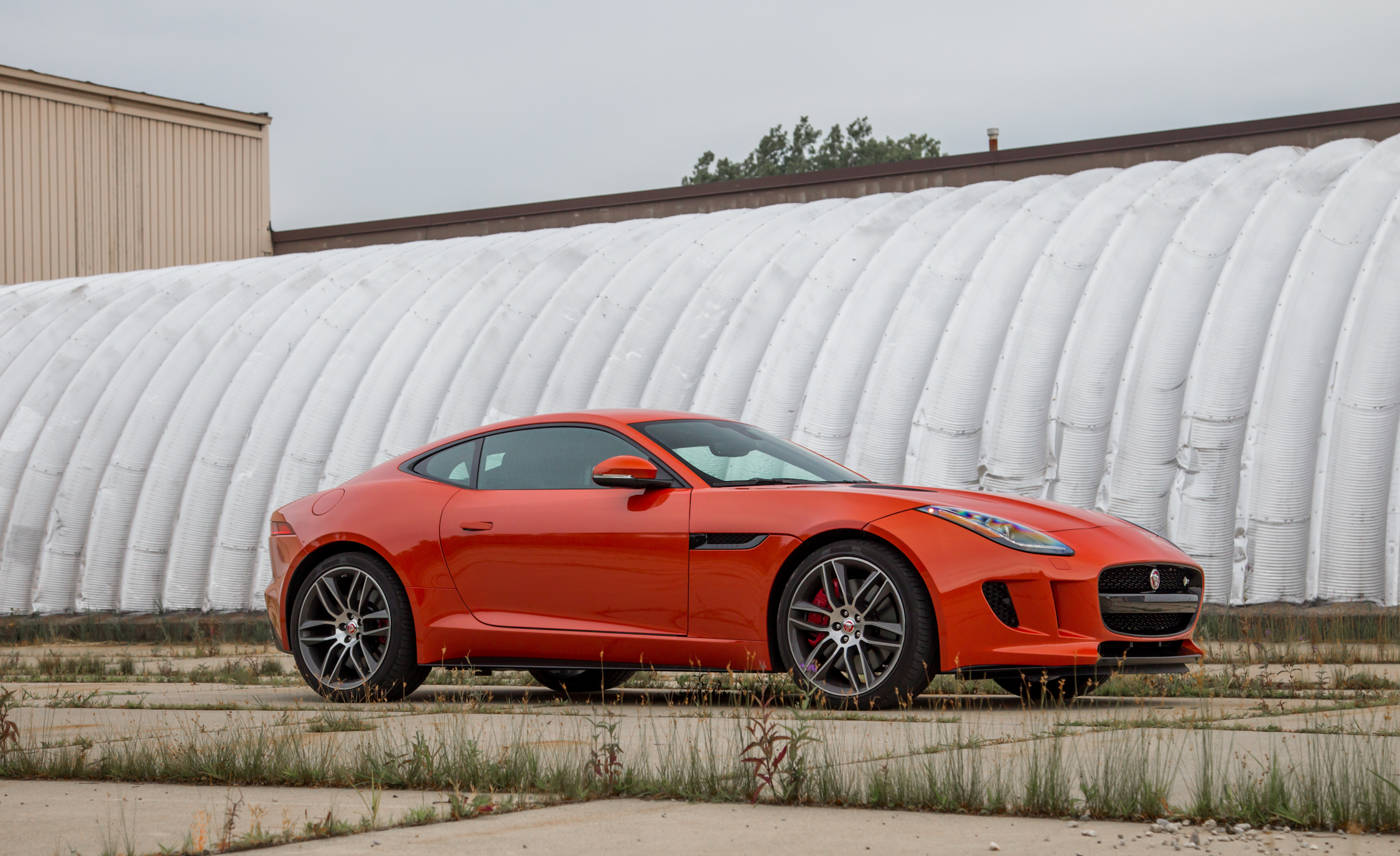 2015 Jaguar F-type R Coupe Exterior Side View