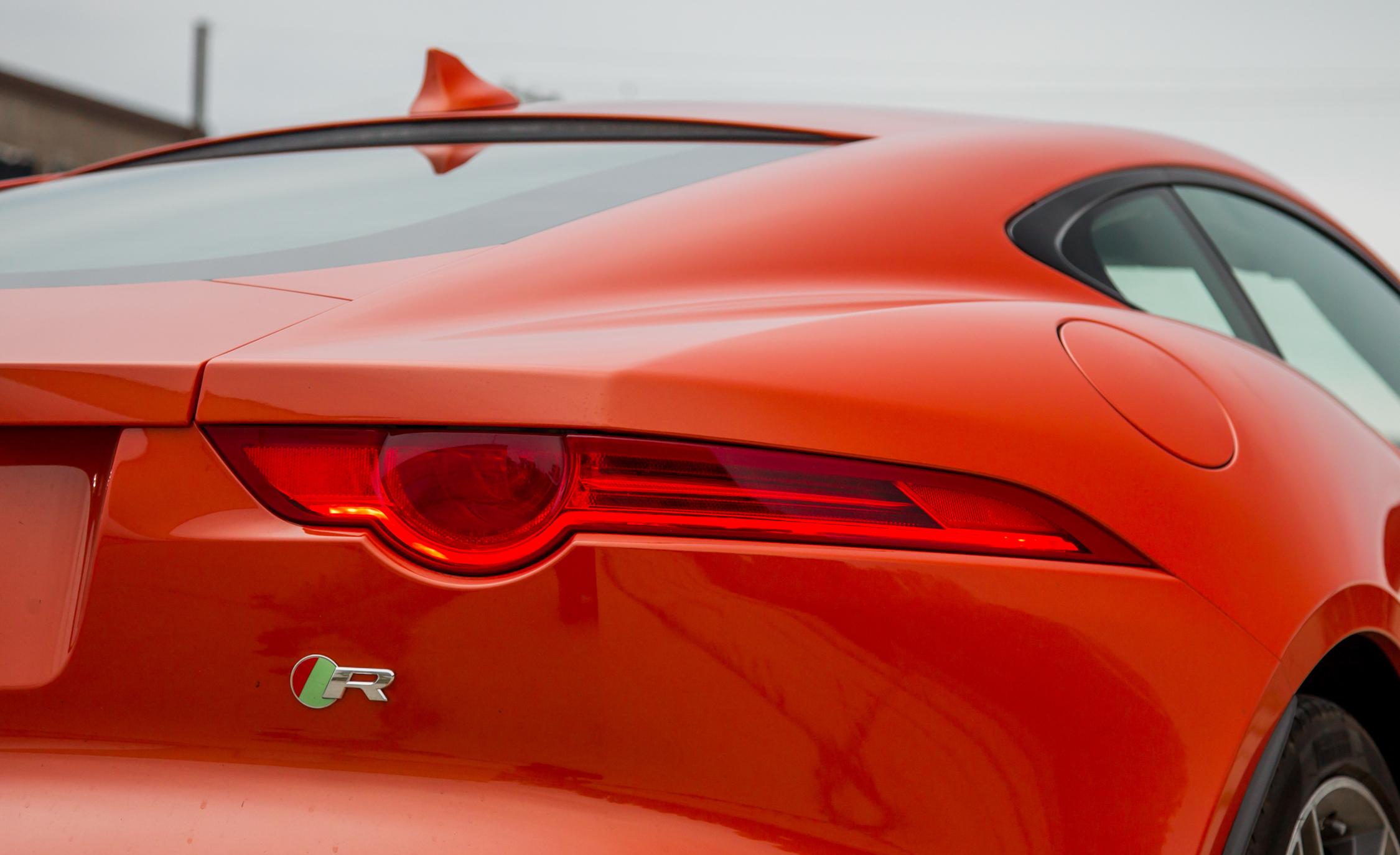 2015 Jaguar F-type R Coupe Exterior Taillight