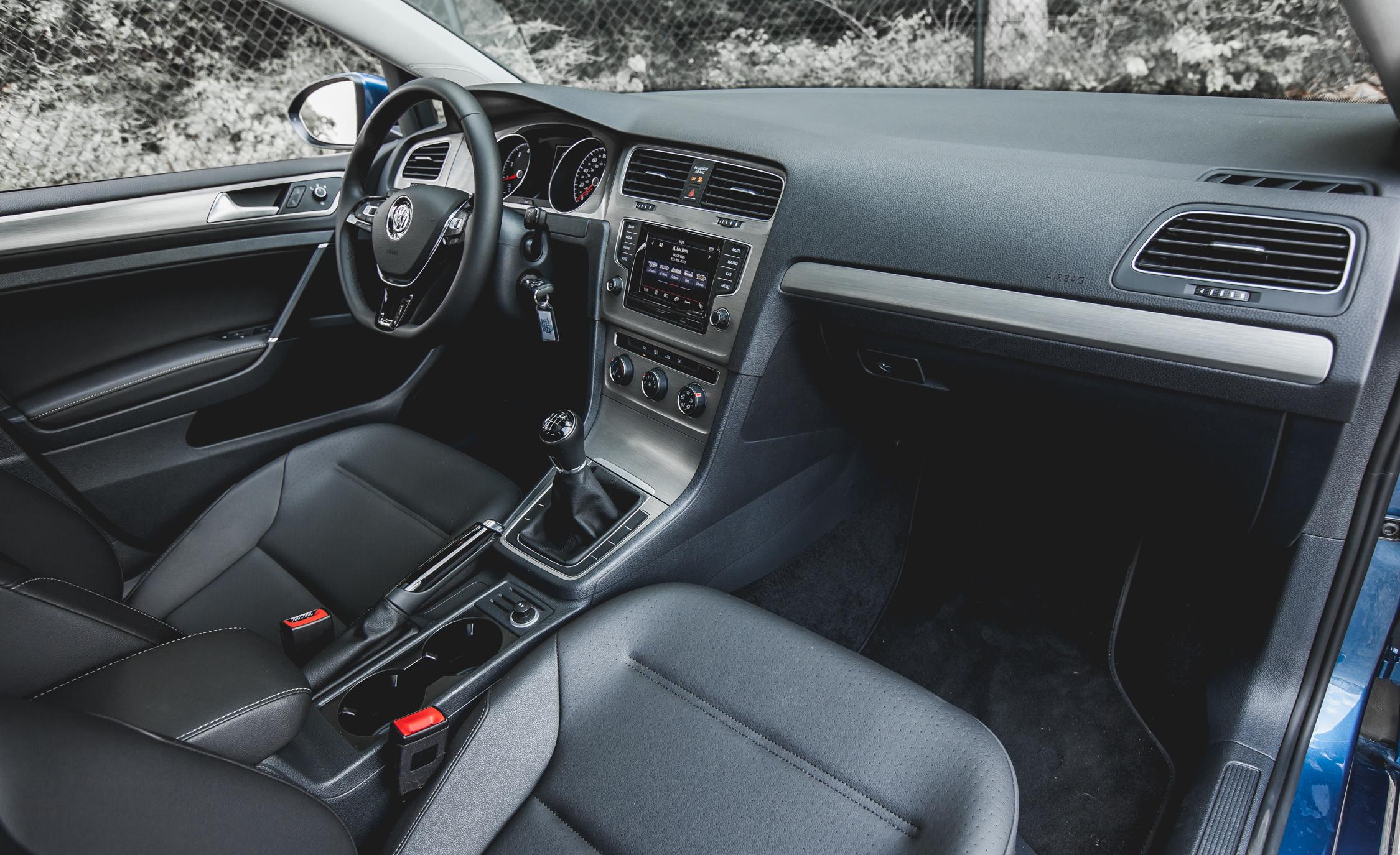 2015 Volkswagen Golf TSI Interior Dashboard