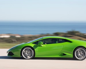 2015 Lamborghini Huracan Lp 610 4 Green Side In Motion Photo 7