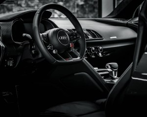 2016 Audi R8 V10 Plus Cockpit and Dashboard