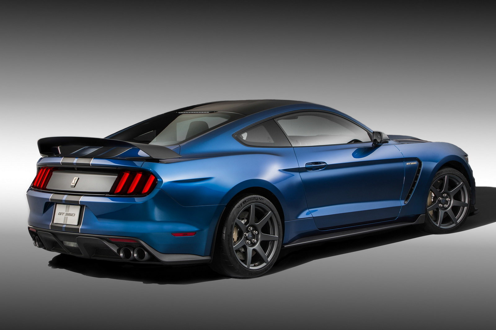 2016 Ford Mustang Shelby GT350R Rear Side Profile
