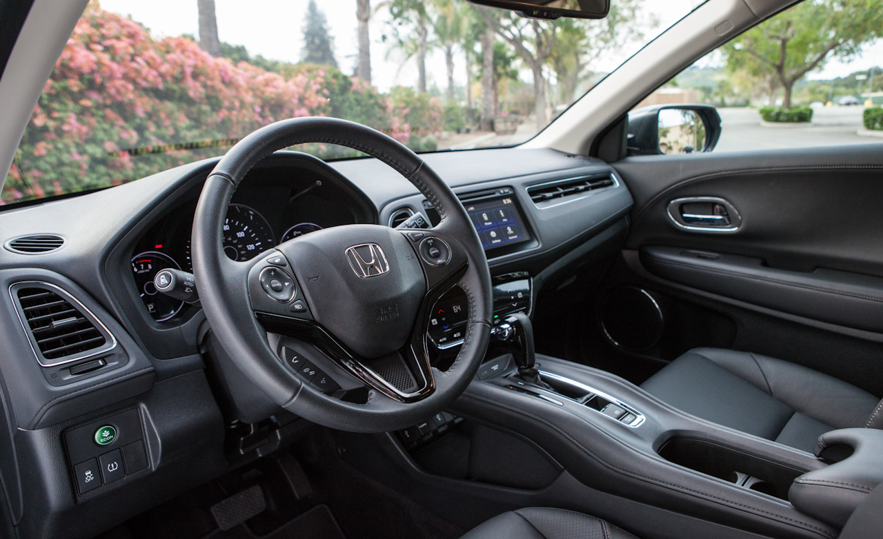2016 Honda HR-V EX-L AWD Interior Cockpit and Dashboard