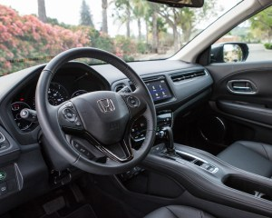 2016 Honda HR-V EX-L AWD Interior Cockpit and Dashboard