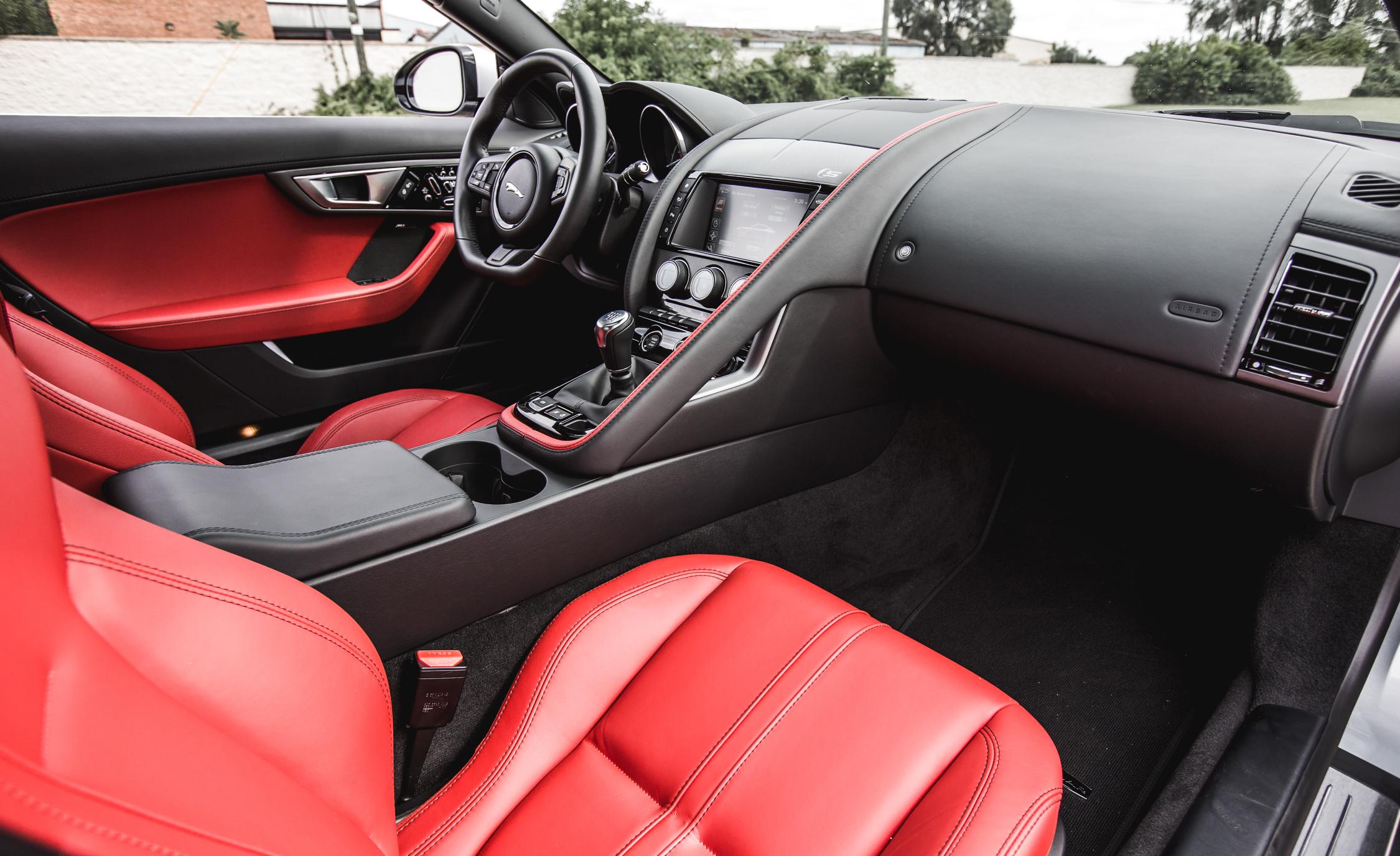 2016 Jaguar F-Type S Coupe Interior Passenger Dash