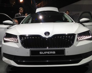 Front End: 2016 Skoda Superb