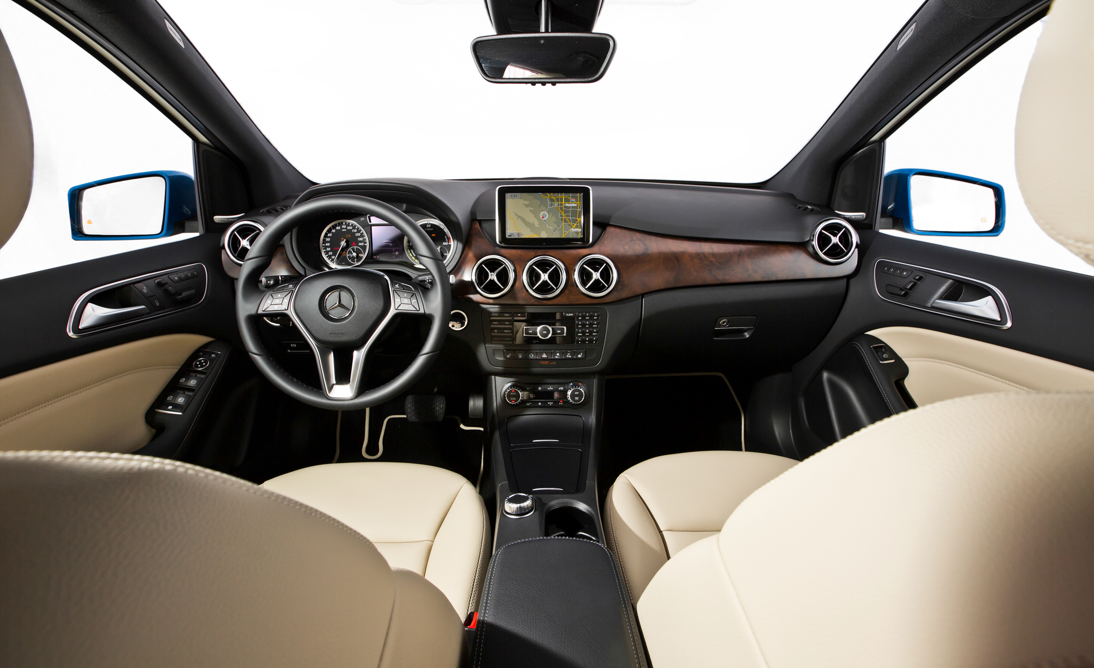 2014 Mercedes-Benz B-Class Interior Preview