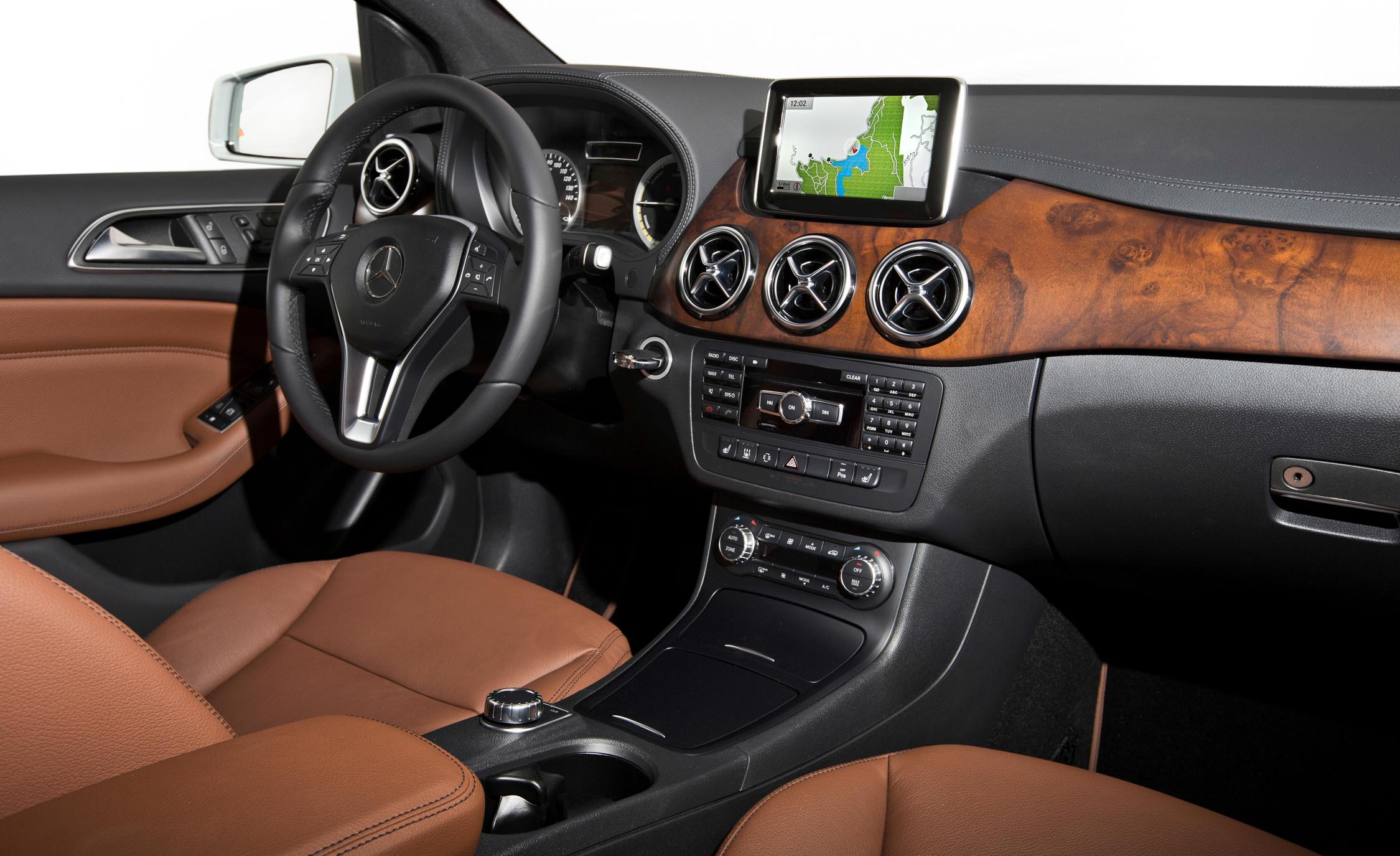 2014 Mercedes-Benz B-class Electric Drive Interior Cockpit