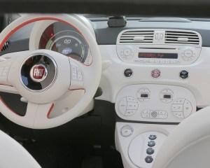 2015 FIAT 500e Interior Steering and Dashboard