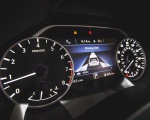 2015 Nissan Murano Platinum AWD Interior Speedometer