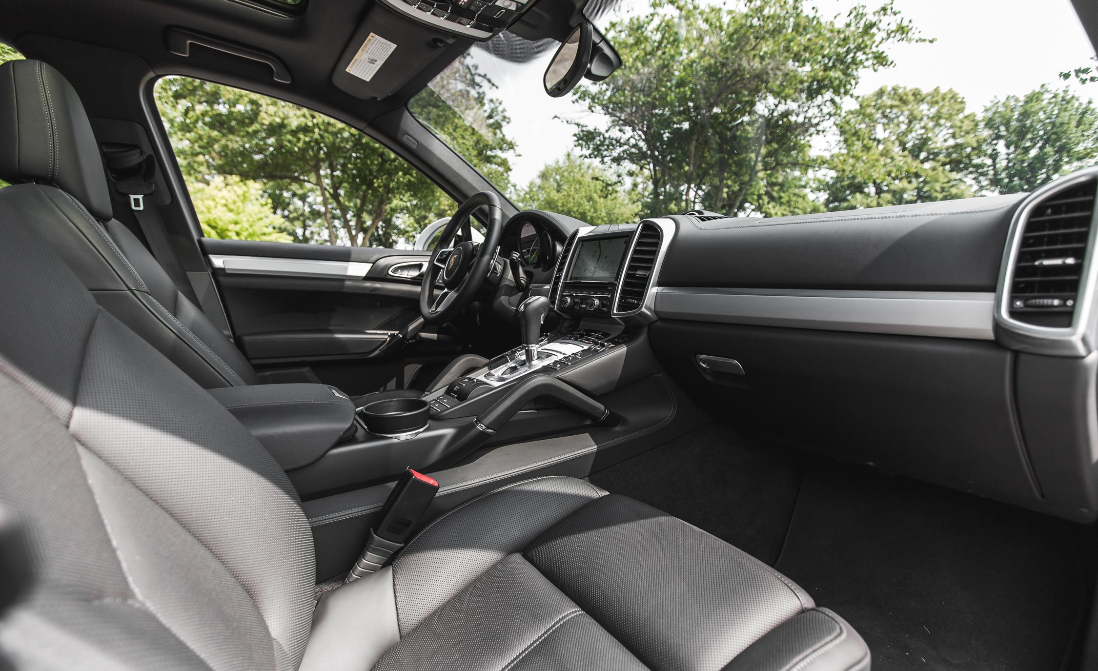 2015 Porsche Cayenne S E-Hybrid Interior Front Seats