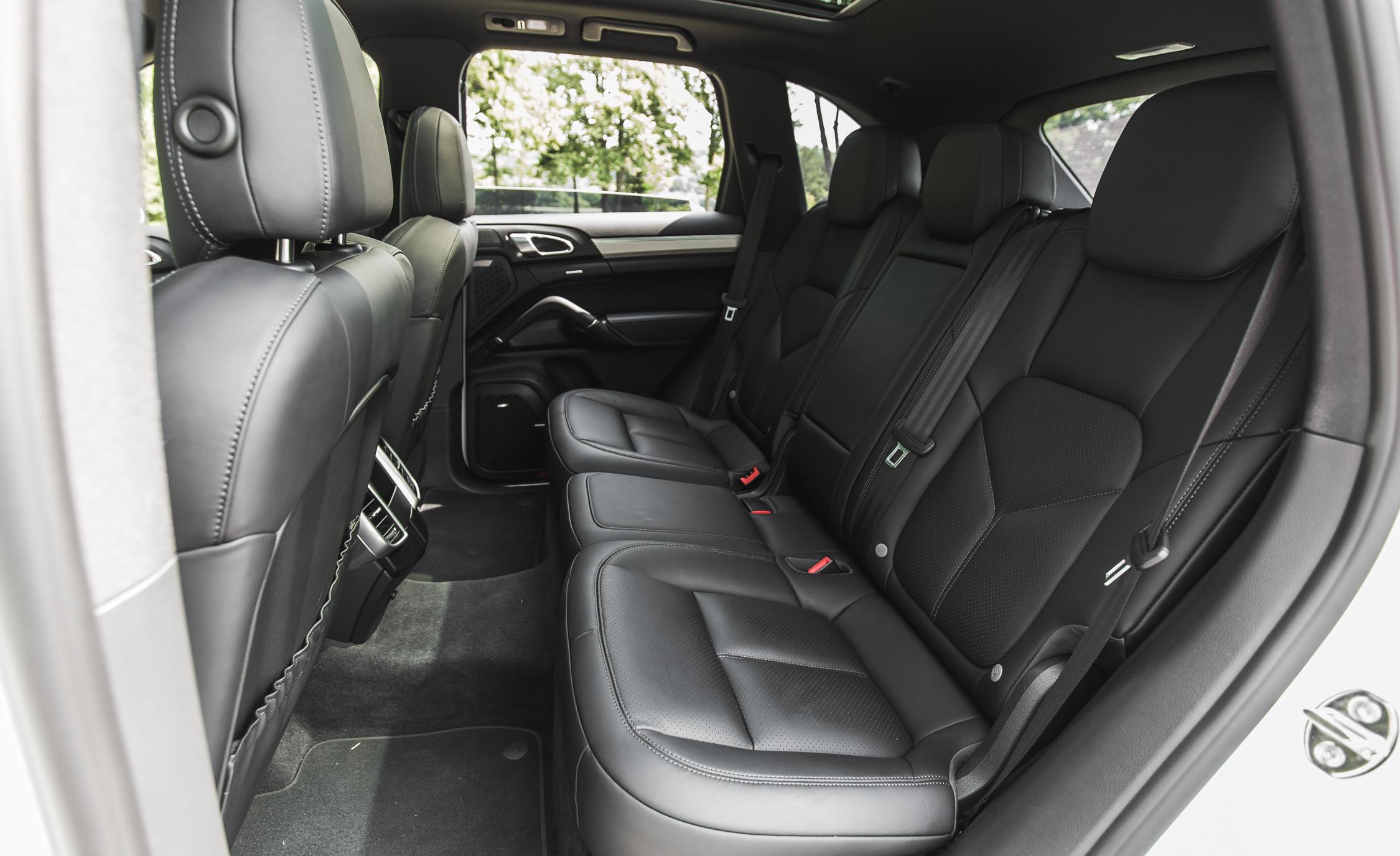 2015 Porsche Cayenne S E-Hybrid Interior Rear Passenger Seats