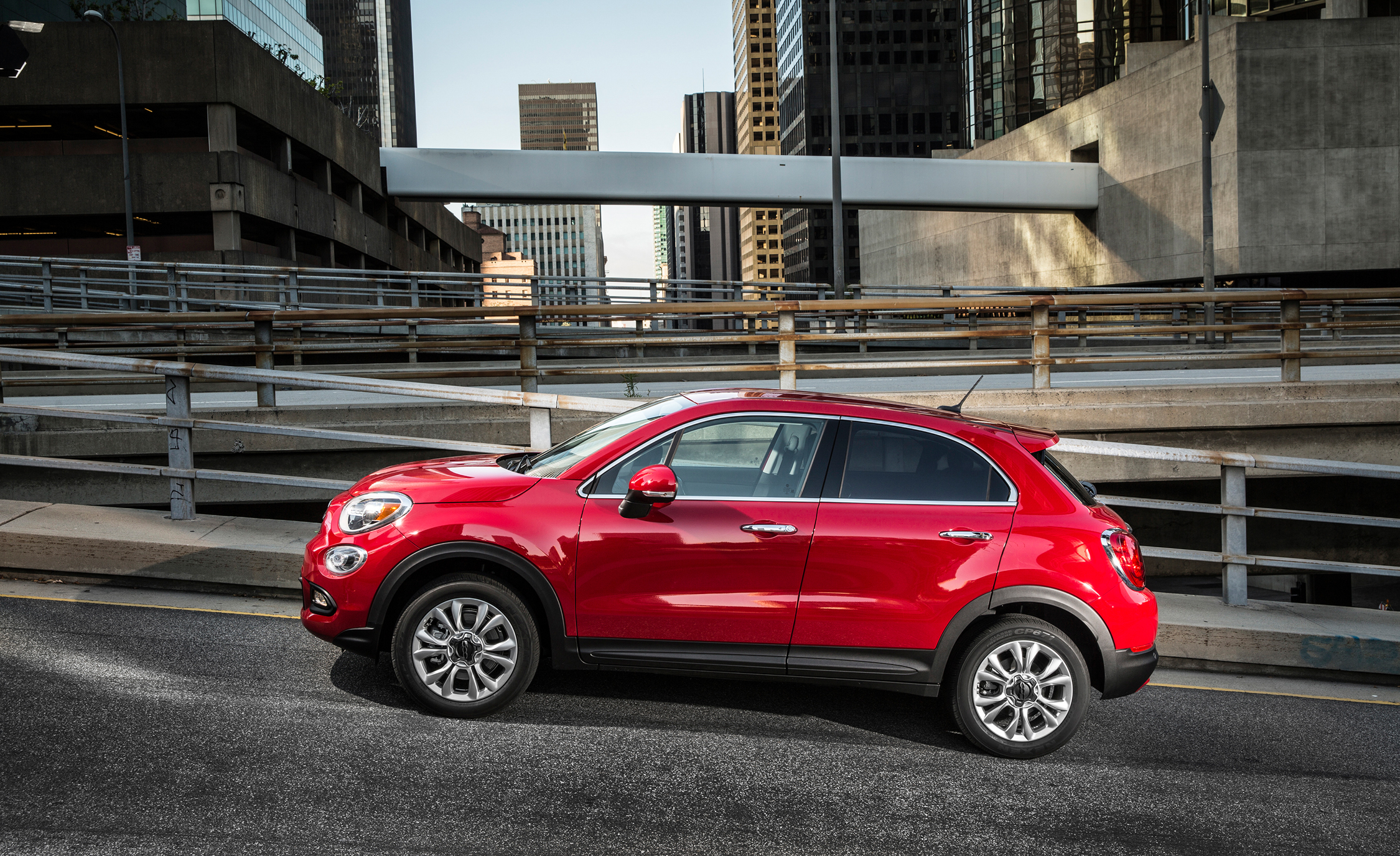 2016 Fiat 500X Lounge Preview Side