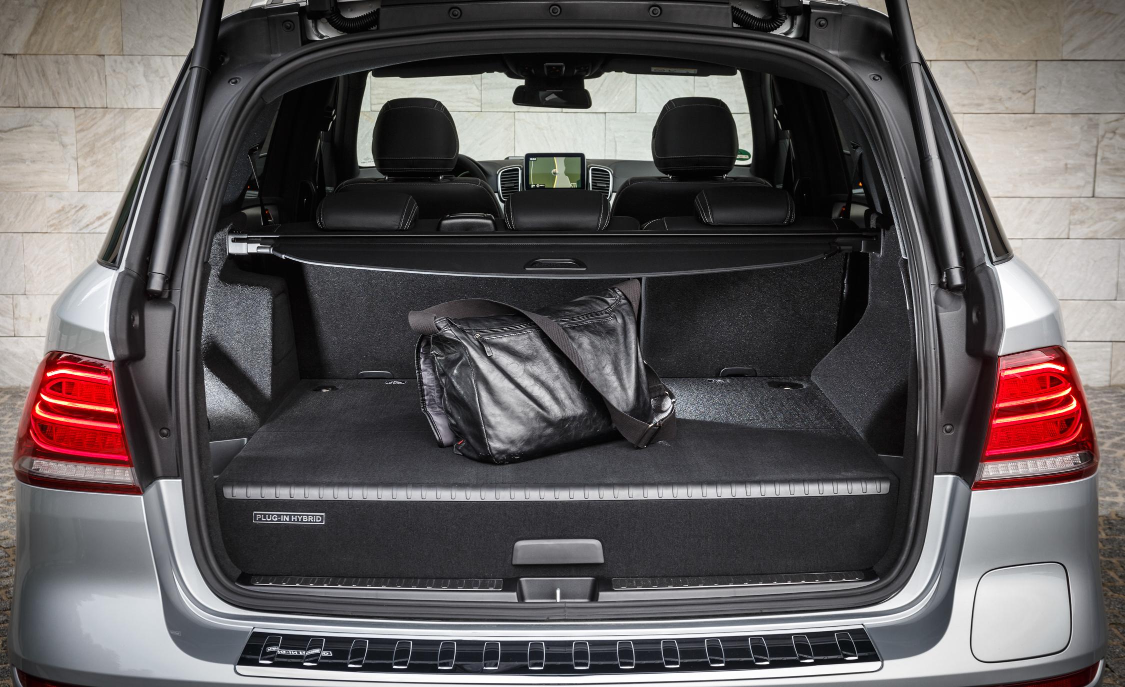 2016 Mercedes-Benz GLE500e 4MATIC Interior Cargo Space