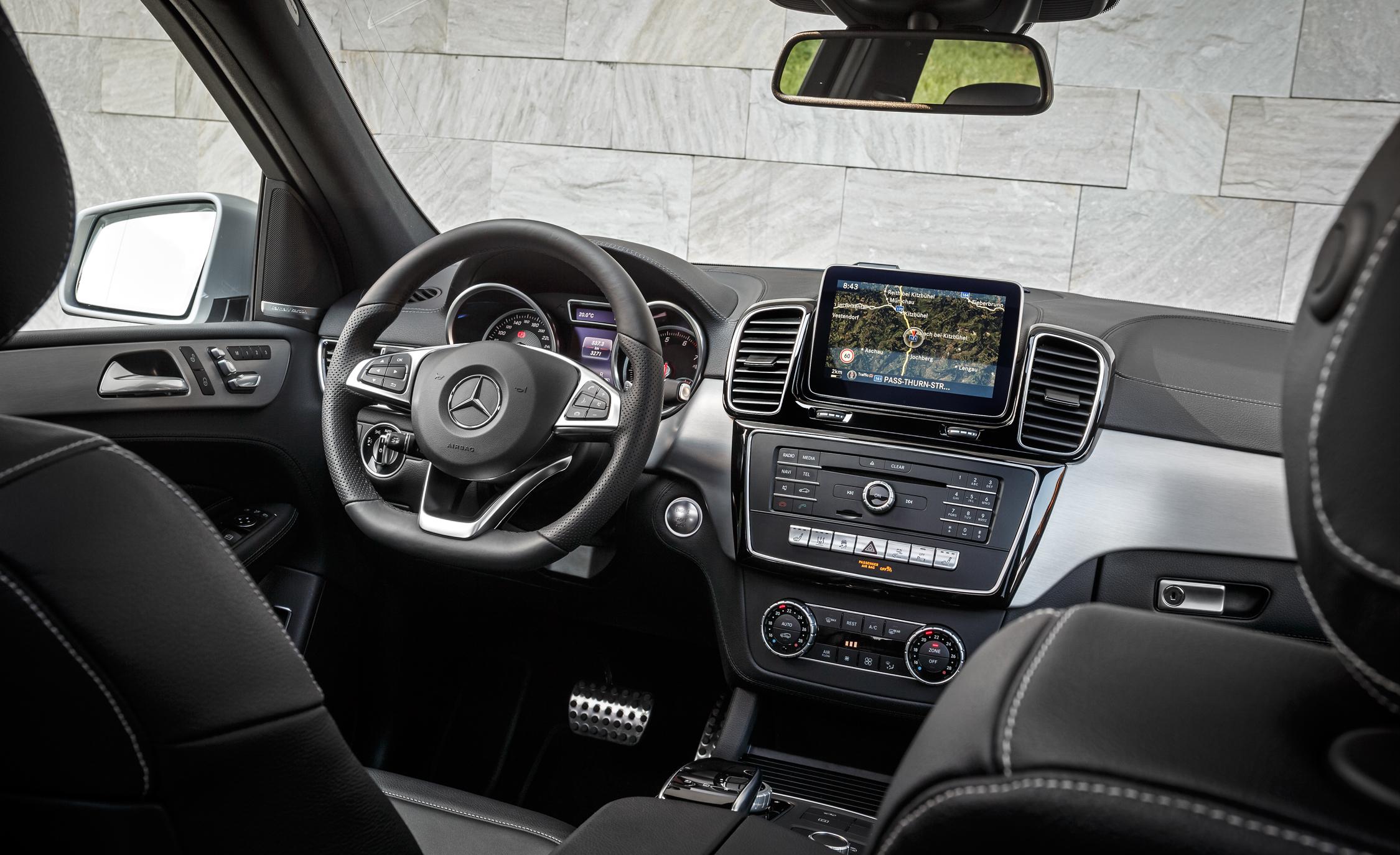 2016 Mercedes-Benz GLE500e 4MATIC Interior
