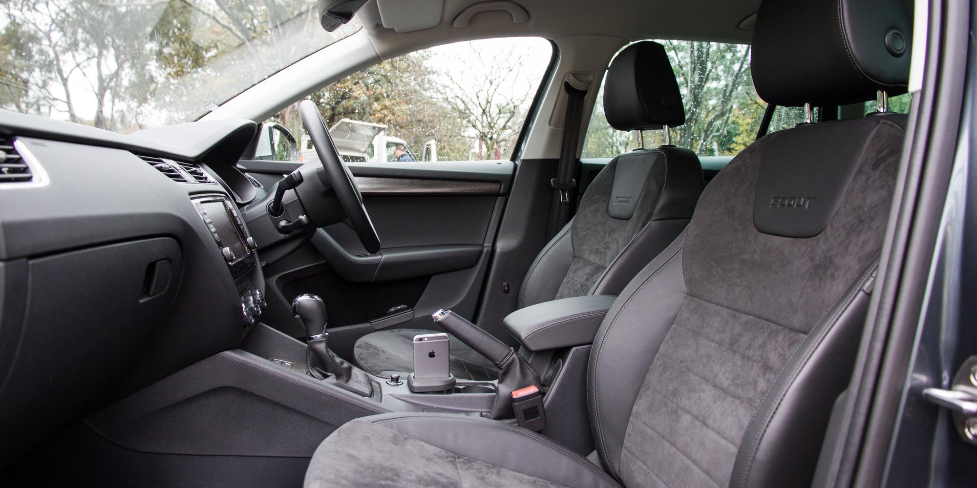 2016 Skoda Octavia Scout Interior Front Passenger Seat