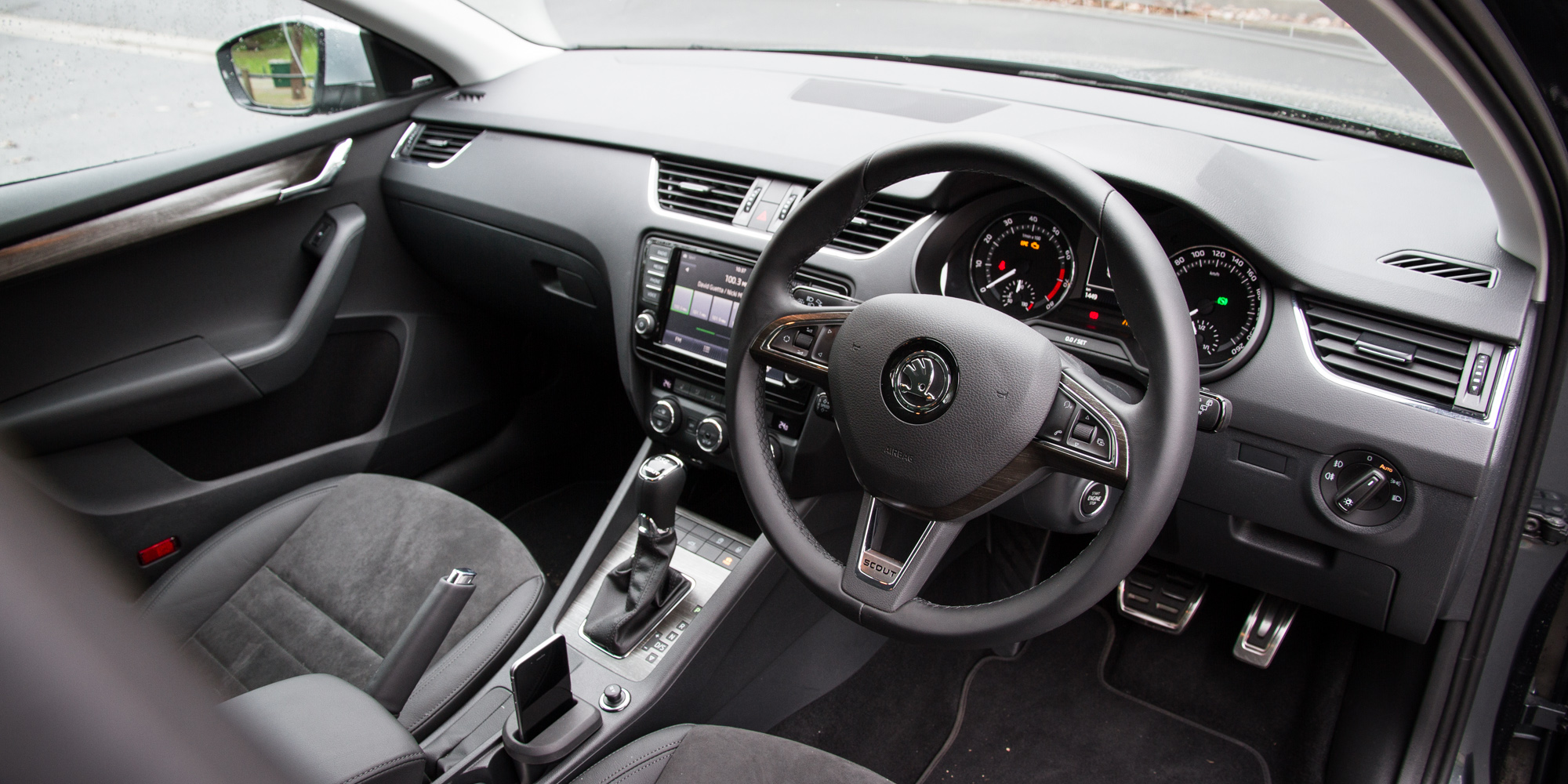 2016 Skoda Octavia Scout Interior Steering