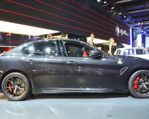 2017 Alfa Romeo Giulia Quadrifoglio Side Exterior Design